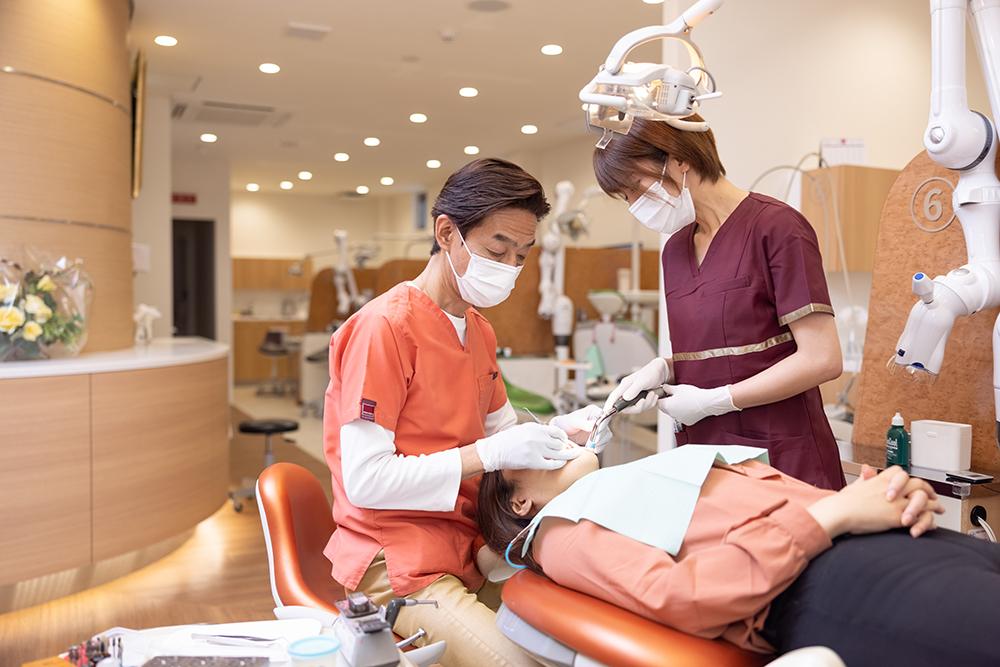 あなたの歯の将来を見極めた治療